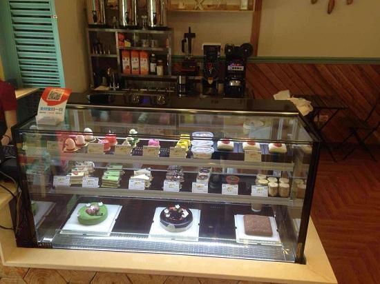 客户直角蛋糕柜实拍1