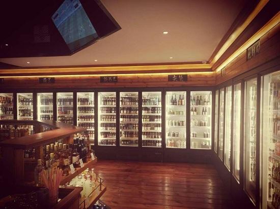 超市饮料展示柜实拍